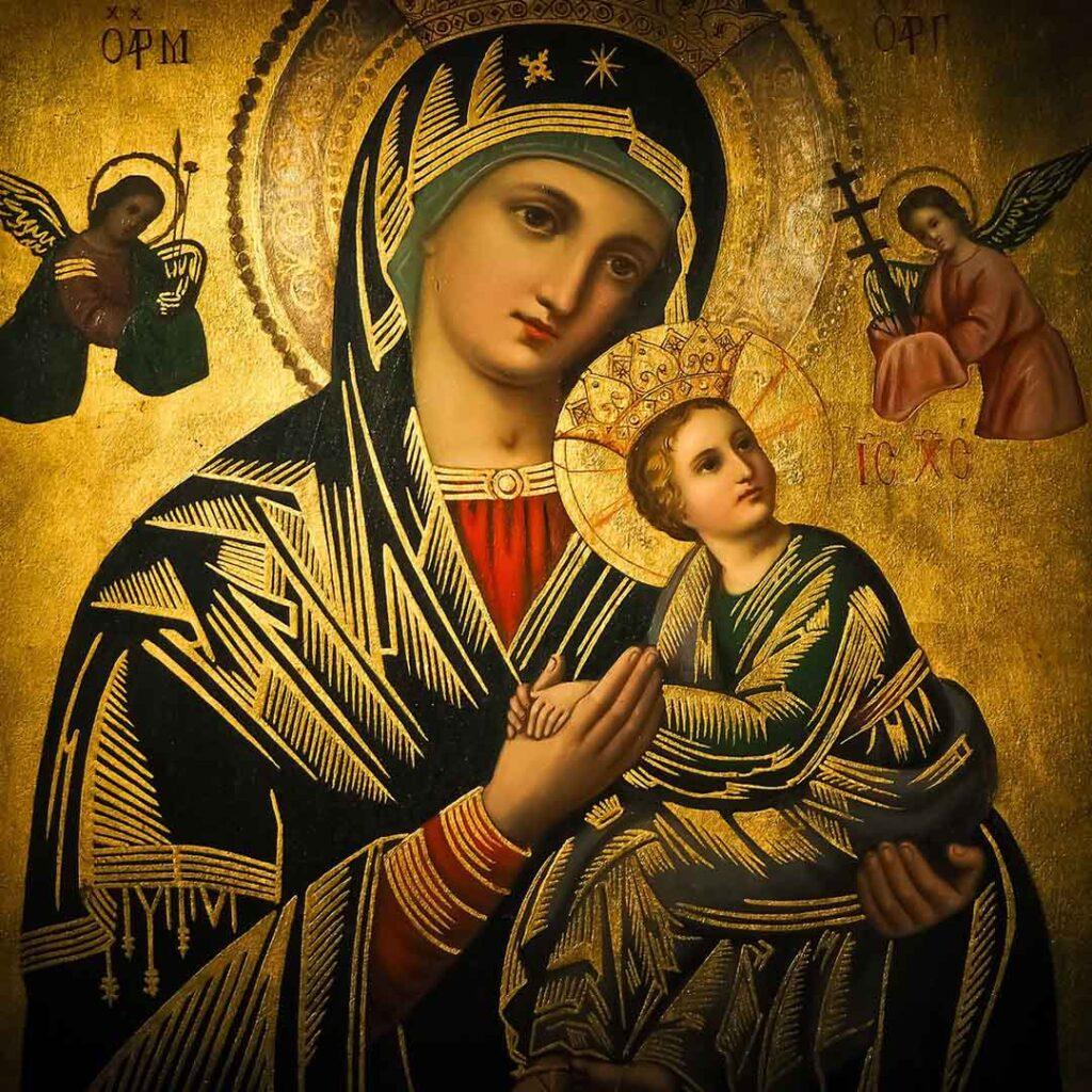 Oración católica de confianza a María